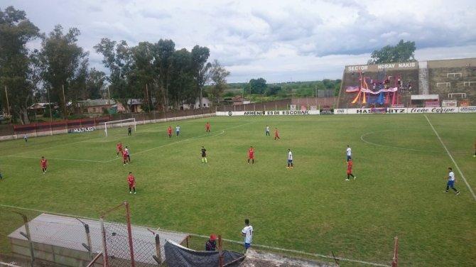 Armenio vs Argentino de Quilmes.jpg
